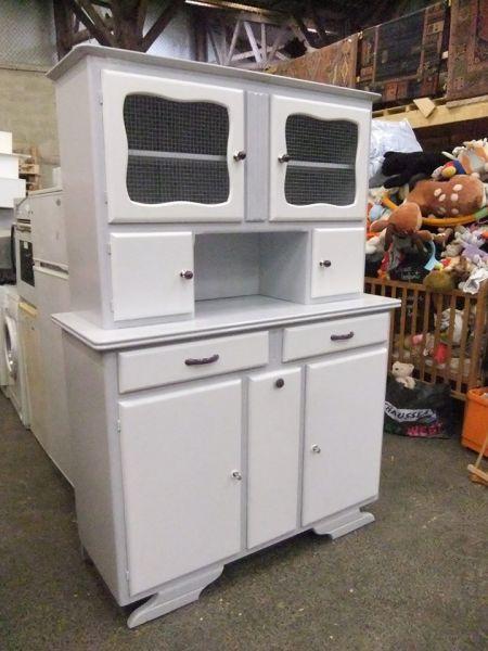 nouvelles cr ations de meubles relook s recyclerie un peu d 39 r. Black Bedroom Furniture Sets. Home Design Ideas